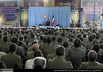Supreme Leader visits ground forces of Iran's regular army