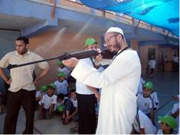 Senior Hamas figures visit the summer camp in the Khan Yunis refugee camp (Pictures from the Hamas forum website, June 18, 2012)