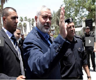 Ismail Haniya at the Rafah crossing en route to Egypt