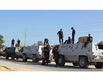 Egyptian army reinforcements deployed in the Sinai Peninsula as part of the security campaign (Picture from Hamas' PALDF forum website, August 8, 2012).