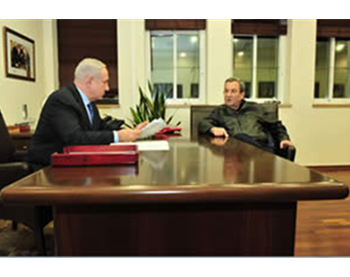Minister of Defense Ehud Barak and Israeli Prime Minister Benyamin Netanyahu consult about Operation Pillar of Defense in the prime minister's office, Tel Aviv (Picture by Ariel Hermoni, Ministry of Defense, November 14, 2012).