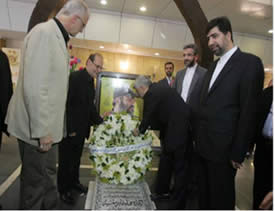 Sayeed Jalili, secretary of Iran's Supreme National Security Council, visits Imad Mughniyeh's grave (Al-Intiqad, Lebanon, August 6, 2012).
