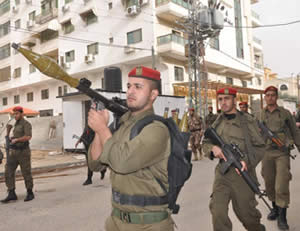 Military display held in the streets of Gaza City by the national security network (Hamas forum website, December 20, 2012)