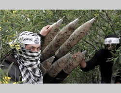 The Mujahideen network holds military training exercises at a facility north of Rafah (Hamas forum website, March 8, 2013).