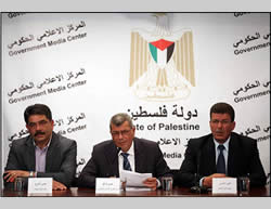 Issa Qaraqa, minister of prisoner affairs in the PA (center) and Qadoura Fares, chairman of the Palestinian prisoners' association (right), launching Palestinian Prisoner Day at a press conference in Ramallah