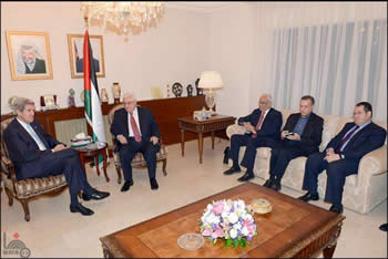 The American effort to renew Israel-Palestinian negotiations: American Secretary of State John Kerry meets with Mahmoud Abbas in Ramallah