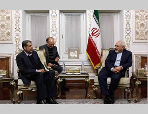 Ramadan Shallah (left) meets in Tehran with the Mahmoud Zarif  (Paltoday website, February 6, 2014).