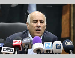 Jibril Rajoub holds a press conference calling for boycotting Israel in sports  (Website of the Palestinian soccer association, February 12, 2014)