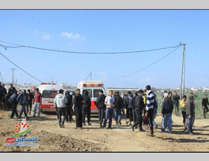 Hamas security services disperse a gathering of young Palestinians near an IDF post in the region of the village of Nahal Oz, east of Gaza City