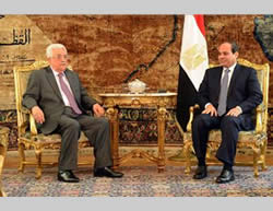 Mahmoud Abbas in Cairo with Egyptian President Abdel Fattah el-Sisi.