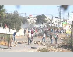 Palestinian rioters confront Israeli security forces in Silwad