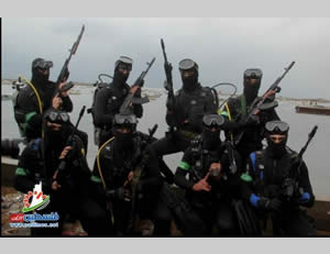 An Izz al-Din al-Qassam Brigades naval commando unit that participated in Hamas' display of strength in Gaza City (Paltimes.net, December 14, 2014).