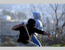 Clashes between Palestinians and IDF forces in the village of Silwad  (Palestine-info.info, December 26, 2014).