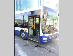 The Tel Aviv bus where the attack was carried out (Facebook page of the Israel Police Force, January 21, 2015).