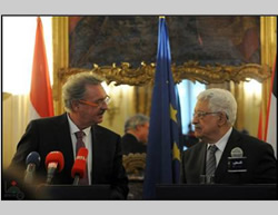 Mahmoud Abbas and Luxembourg's foreign minister (Wafa.ps, February 13, 2015).