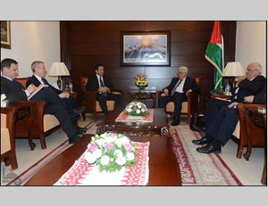 Mahmoud Abbas meets with Philip Gordon, the American National Security Council coordinator for the Middle East (Wafa.ps, February 18, 2015).
