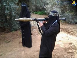 Women trained as fighters by the Popular Resistance Movement (Quds.net, February 21, 2015).