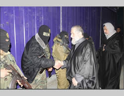 Senior PIJ figures pay a night visit to Jerusalem Brigades terrorist operatives (Paltoday.ps, February 27, 2015).