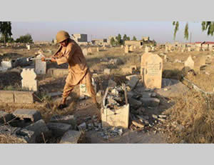 Destruction of graves by ISIS in Mosul (Twitter account, June 22, 2015)