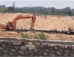 The canal under construction by the Egyptian army along the Gaza Strip border (Sada, August 27, 2015)