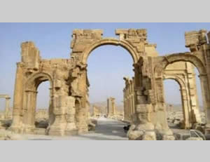 The Arc de Triomphe destroyed by ISIS operatives in Palmyra (An-Nahar, October 5, 2015)