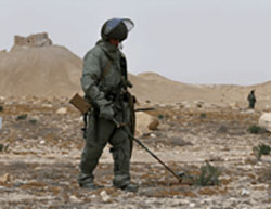 Russian sapper forces clearing mines and IEDs in the city of Palmyra (Russian Ministry of Defense, eng.mil.ru)