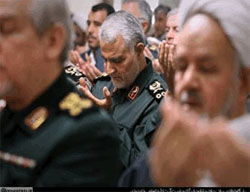 Qasem Soleimani at a meeting of commanders with the supreme leader (Website of the supreme leader, April 10, 2016).