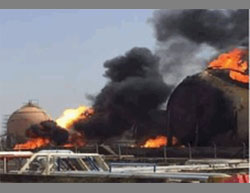 The burning gas reserves at the plant north of Baghdad (Iraqi News Agency IBN News, May 15, 2016).