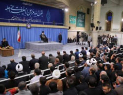 Khamenei speaking before the families of IRGC fighters killed in Syria (Fars, June 25, 2016).