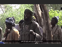 Photos from the video documenting the takeover of the army camp in southern Niger. Preparations for the departure - the commander of the force briefing the organization's operatives.