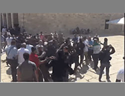 Muslims clash with Israeli police on the Temple Mount after Jews enter the compound on Tisha b'Av (YouTube, August 14, 2016).