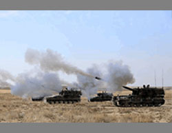 Self-propelled Turkish army guns attack ISIS positions in Jarabulus (Twitter account of Al-Anadolu News, August 23, 2016).