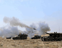Self-propelled artillery forces of the Turkish Army attacking ISIS positions in the city of Jarabulus (Twitter account of the Anatolia News Agency, August 23, 2016).
