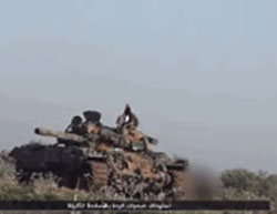 Right: Artillery used by the Khalid bin al-Walid Army. Left: Tank bearing an ISIS flag (Haqq, September 4, 2016)