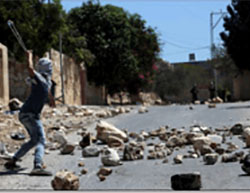 Palestinians clash with Israeli security forces in the village of Qadoum during the weekly riot protesting the Jewish settlements (Wafa, September 9, 2016).