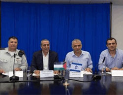 Right to left: Director-General, Ministry of Finance, Shai Babad, Finance Minister Moshe Kahlon, Minister of Civil Affairs in the Palestinian Authority,Hussein Al Sheikh, Coordinator of Government Activities in the Territories, General Yoav (Poli) Mordechai, at the signing ceremony for settling the Palestinian electricity debts to Israel (Israel Ministry of Finance Facebook page, September 13 2016)