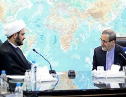Sheikh Akram al-Ka'bi meets with Ali-Akbar Velayati during a visit to Tehran  (Tasnim, September 1, 2016).
