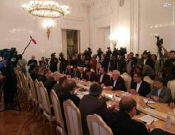 The foreign ministers of Iran, Russia and Turkey meet in Moscow (Mashreq News, December 20 2016)