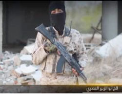 Masked ISIS operative codenamed Abu al-Zubayr al-Masri threatens the Copts in Egypt and calls on jihad fighters to kill them (Haqq, February 20, 2017)