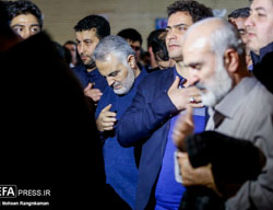 Qasem Soleimani (center) at a memorial service for Hassan Shateri (Defa Press, February 16, 2017).