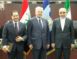 Iraqi ambassador to Tehran (center) with the president of the Sepah bank  (banksepah.ir, February 27, 2017).