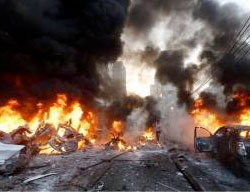 The scene of the suicide bombing attack near Tikrit (Ahl al-Bayt News Agency, March 8, 2017)