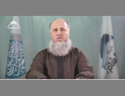 Hashem al-Sheikh (Abu Jaber) in the video, threatening to reach the regime strongholds in Damascus (YouTube, March 18, 2017)