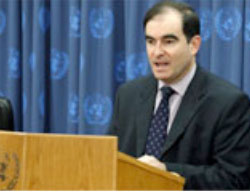 John Ging, at the time director of UNRWA operations in the Gaza Strip (UNRWA website, April 23, 2009). Hamas accused him of