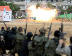 Participants in al-Futuwwa courses (paramilitary training given to youth in the Gaza Strip) simulate attacking an IDF base during graduation exercises held in the center of Gaza City (Facebook page of the Hamas-controlled ministry of the interior, April 2, 2017).