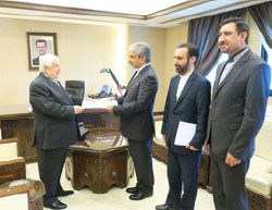 Javad Tork Abadi (second from left) presents his credentials to the Syrian foreign minister (Mehr, April 26, 2017).
