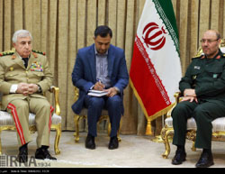 The Syrian chief of staff (left) meets with the Iran defense minister  (IRNA, May 1, 2017).