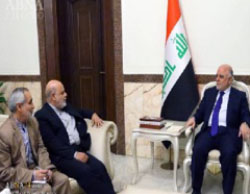 Iranian ambassador to Iraq Iraj Masjedi (second from left) meets with Iraqi Prime Minister al-Abadi (right) (ABNA, April 24, 2017).