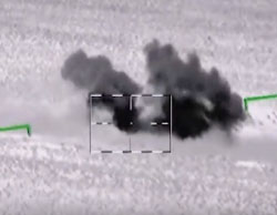 A Russian Defense Ministry video showing the attack on ISIS's convoy claimed to be en route to the Palmyra area (May 27, 2017)