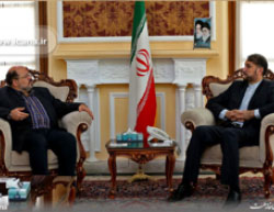 Khaled al-Qaddumi meets with Hossein Amir Abdollahian (ircana.ir, May 28, 2017)